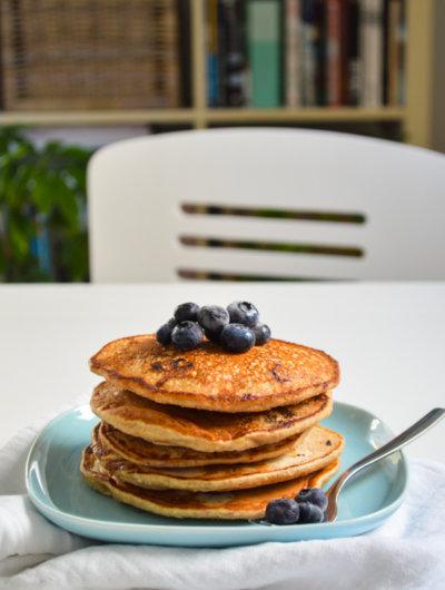 Zdravi doručak: Palačinke s bananama i borovnicama