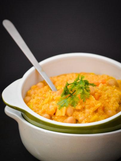 Nešto drugačije: Curry od slanutka i poriluka s quinoom