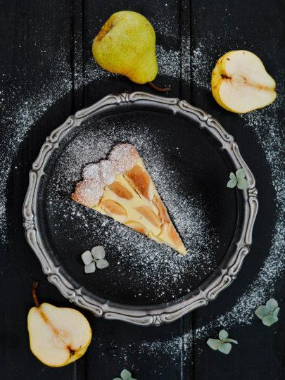 Tart s bademima, kruškama i krem sirom
