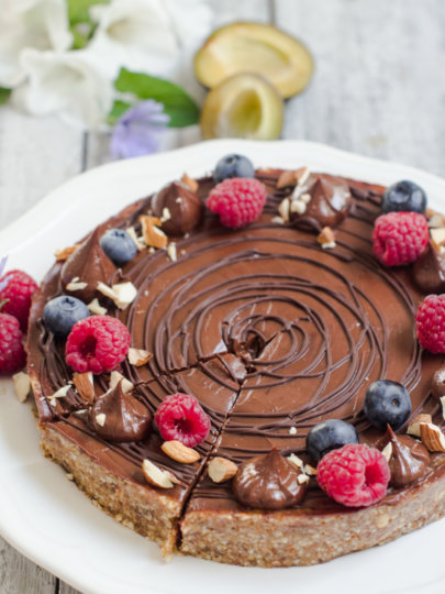 Nepečena pita od šljiva i čokolade bez bijelog šećera