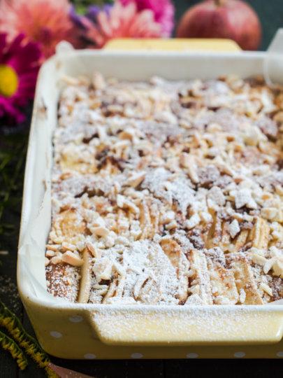 [Video] Jesenski kolač od jabuka s bademima