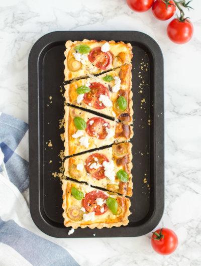 Grčki quiche s fetom, rajčicama i maslinama