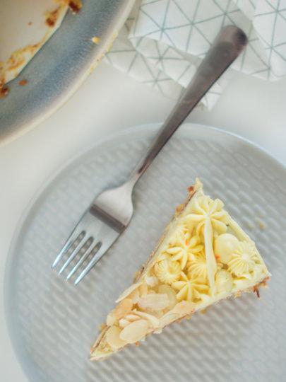 Torta od mrkve s bijelom čokoladom i narančom