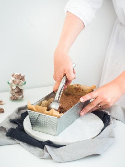 Kremasti sladoled od čokolade (bez kristalića, bez aparata)
