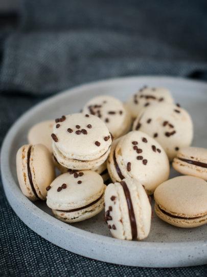 [video] macarons s mliječnom čokoladom i narančom – talijanska metoda