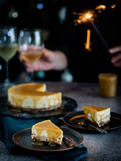 Cheesecake s jabukama i brzim karamelom