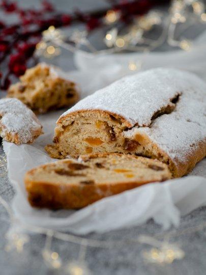 [Video] Kruh s marcipanom i suhim voćem (Stollen)