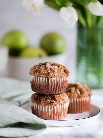 Integralni pirovi muffini s jabukama i bademima