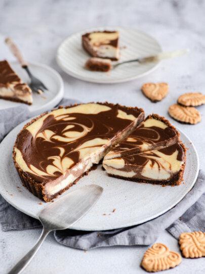 Mramorni tart od sira i čokolade