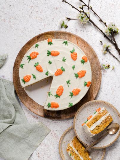 [Video] Uskrsni kolači: Torta od kokosa, lješnjaka i mrkve